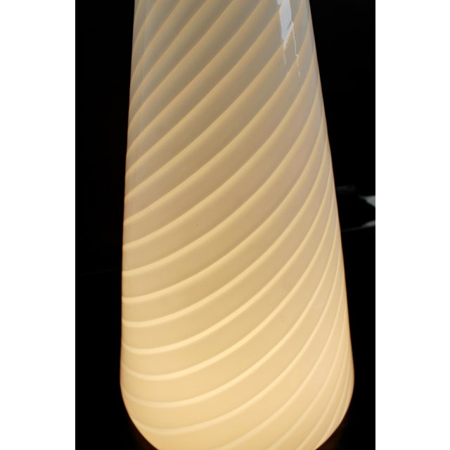 1970s 1970s Mid-Century Modern Large White Vetri Murano Glass Conical Table Lamp For Sale - Image 5 of 8