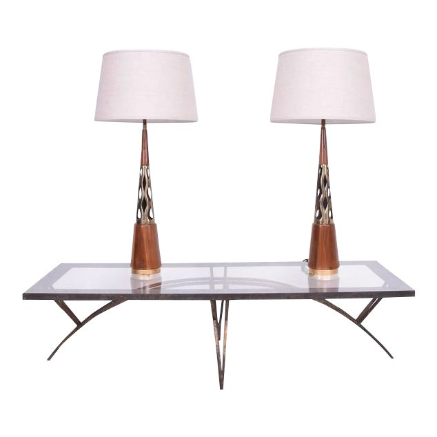 Mid-Century Modern Pair of Mid-Century Modern Walnut & Brass Table Lamps For Sale - Image 3 of 10