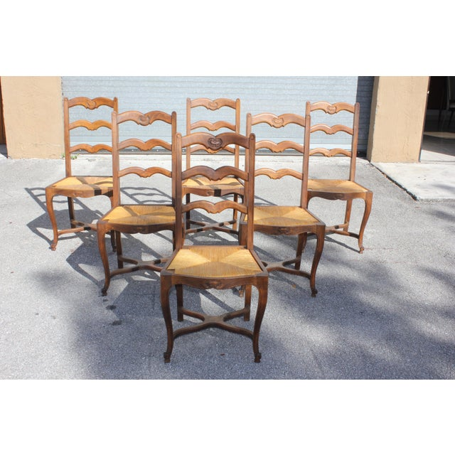 1910s Vintage French Country Rush Seat Solid Walnut Dining Chairs- Set of 6 For Sale In Miami - Image 6 of 13