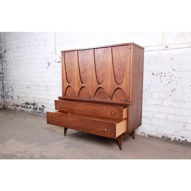 Metal Broyhill Brasilia Mid-Century Modern Sculpted Walnut Gentleman's Chest For Sale - Image 7 of 12