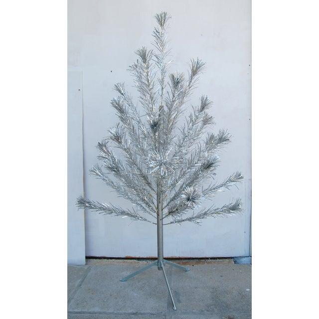 Mid-Century Atomic Style Aluminum Christmas Tree - Image 2 of 11