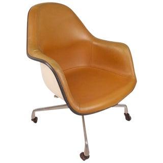 Mid-Century Modern Herman Miller Shell Desk Chair For Sale