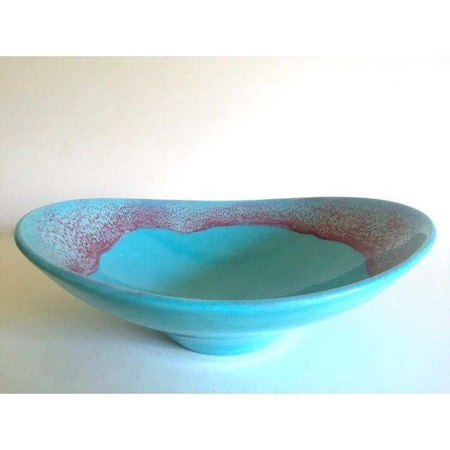 Abstract Vintage Mid Century Modern Studio Pottery Aqua Blue Drip Glaze Oval Ellipse Ceramic Pedestal Bowl For Sale - Image 3 of 13