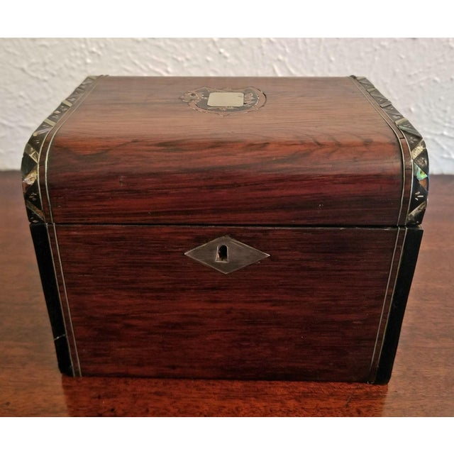 Early 19c Irish Mahogany Single Tea Caddy With Armorial Crest For Sale - Image 4 of 13