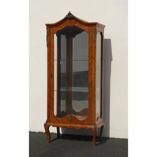 Vintage French Provincial Curio Cabinet Display Case Vitrine W Burlwood and Ormalu For Sale - Image 4 of 13