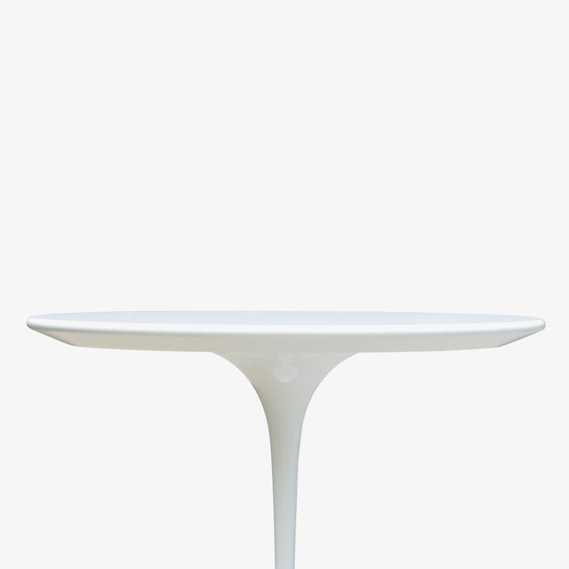 """Early 21st Century Pedestal """"Tulip"""" Table in Laminate by Eero Saarinen for Knoll For Sale - Image 5 of 7"""