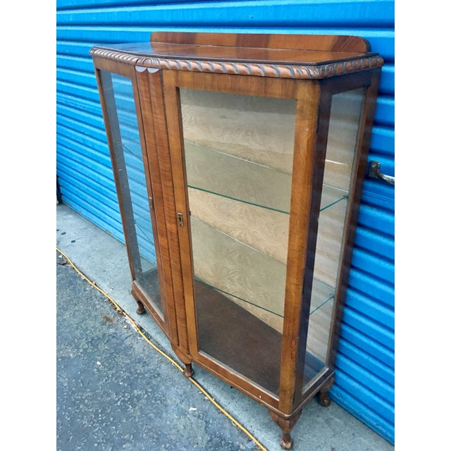 1940's French Provincial Display Cabinet For Sale - Image 4 of 11