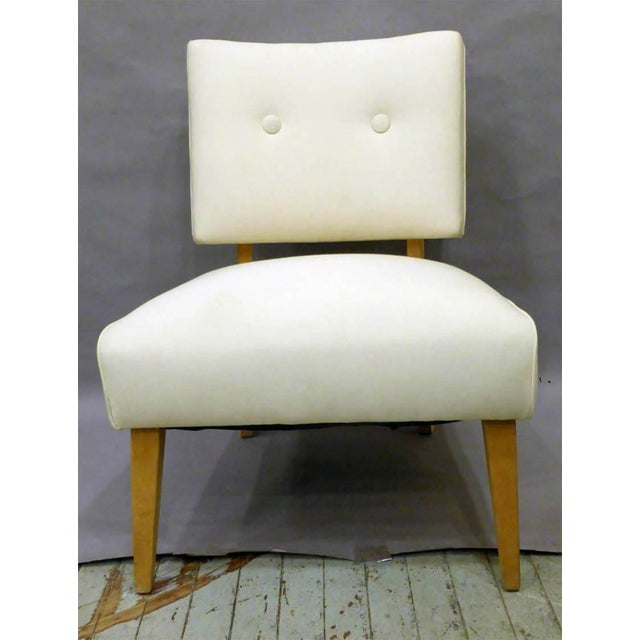 Wonderful Mid-Century Slipper Chair / Side Chair in the original upholstery. Strong and comfortable , a great accent chair...