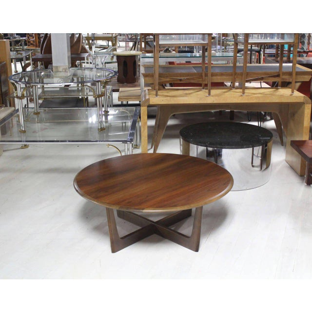 Walnut X-Base Round Coffee Table For Sale In New York - Image 6 of 6