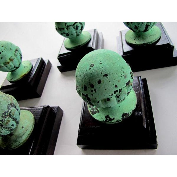American Classical A Set of 5 American Classical-Revival Verdigris Bronze Finials For Sale - Image 3 of 6