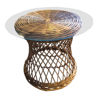 20th Century Boho Chic Wicker Bamboo Side Table For Sale