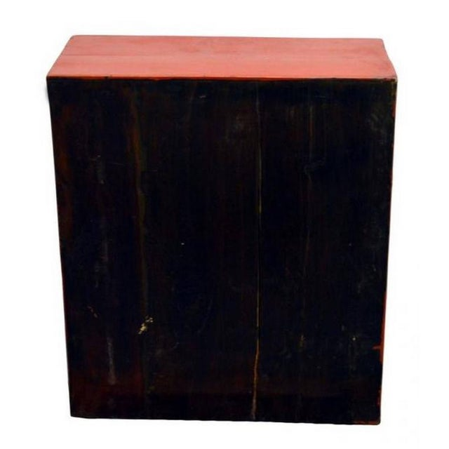 Lacquer Ancient Chinese Red Lacquered Square Cabinet with Brass Hardware from the 1900s For Sale - Image 7 of 8