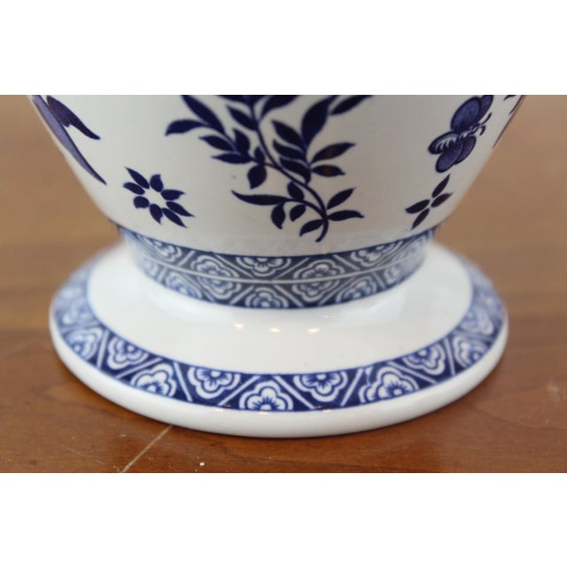 Blue and White Coalport Decanter For Sale In New York - Image 6 of 10