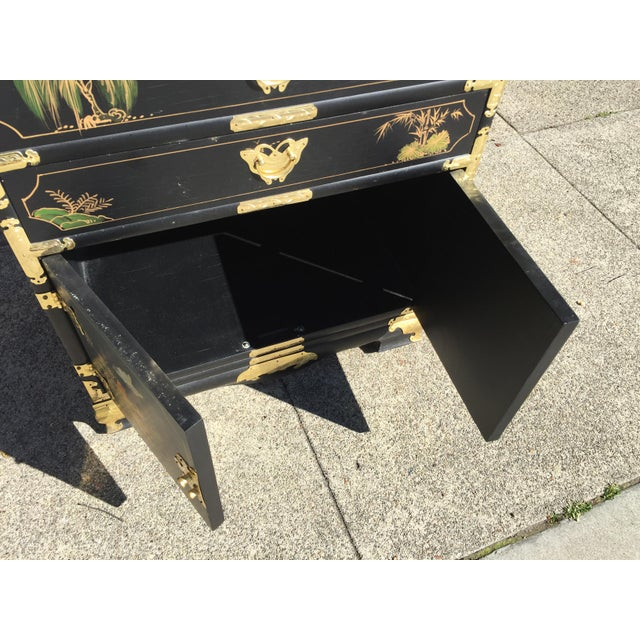Asian Hand Painted Chinese Chinoiserie Jewelry Chest For Sale - Image 3 of 8