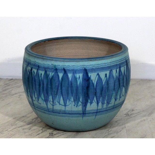 Ceramic 1960s Mid-Century Modern Large Blue Glazed Ceramic Pot Signed j.t. Abernathy For Sale - Image 7 of 8