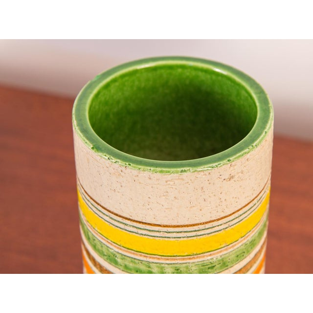 Mid-Century Italian art pottery vase by Rosenthal Netter for Bitossi. Pretty cylindrical vase with a textural spring...