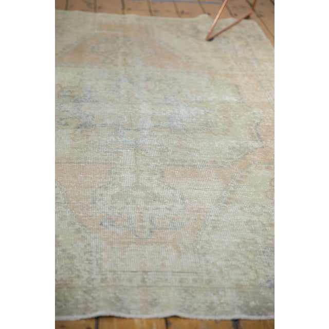 "Textile Vintage Distressed Oushak Rug - 4'4"" X 6'9"" For Sale - Image 7 of 10"