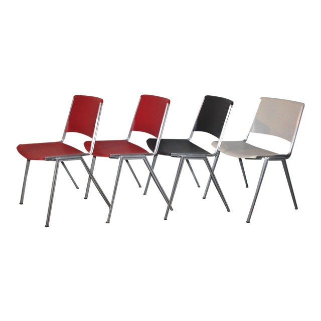 1960s Mid Century Modern Steelcase Stackable Plastic Backed Chairs - Set of 4 For Sale