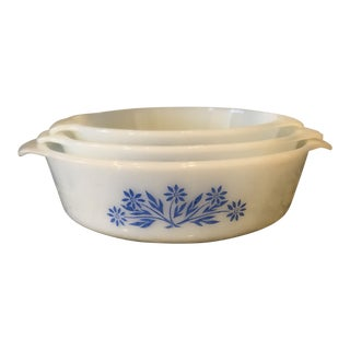 Vintage Anchor Hocking Fire King White Milk Glass Blue Cornflower Casserole Baking Dish Ovenware With Lids - Set of 3 For Sale
