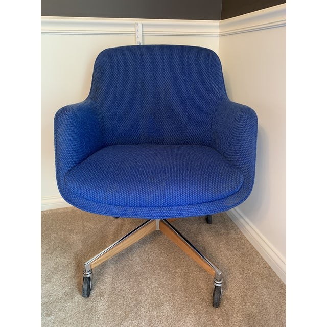 1970s 1970's Steelcase Mid-Century Blue Swivel Barrel Chair For Sale - Image 5 of 12