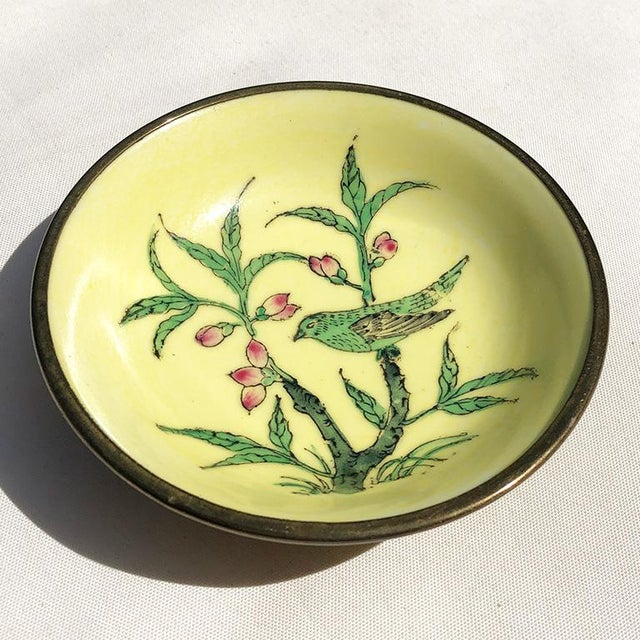 Lord and Taylor Chinoiserie Yellow Porcelain Dish With Brass Bottom For Sale - Image 9 of 9