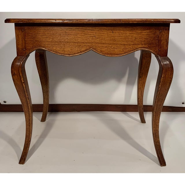 1980s Traditional Oak Side Table For Sale - Image 4 of 7