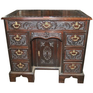 18th Century Carved Mahogany Dressing Table For Sale