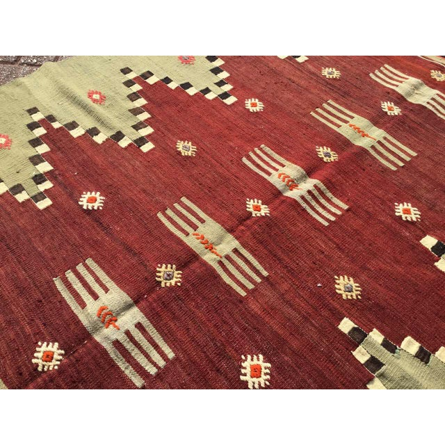 "Vintage Turkish Kilim Rug - 4'9"" X 7' - Image 4 of 10"