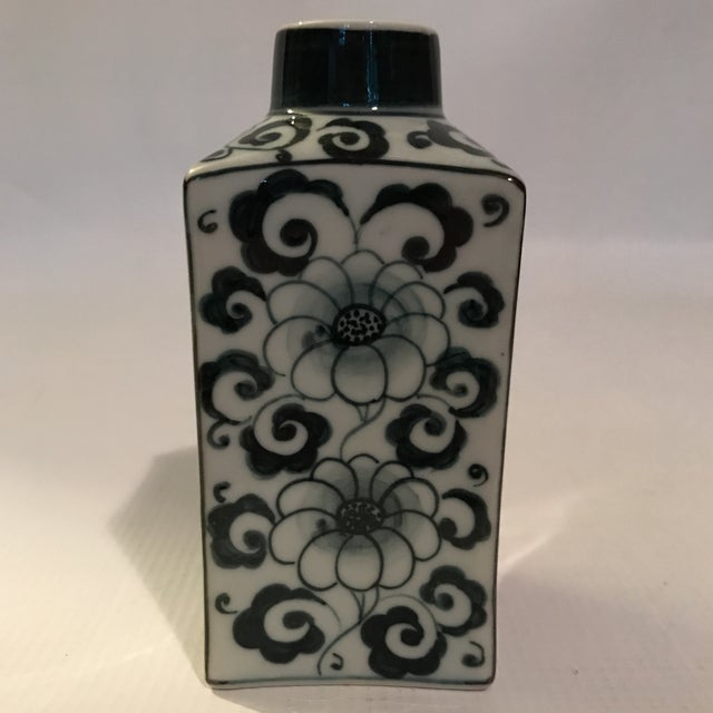 Late 20th Century Small Square Blue and White Porcelain Vase For Sale - Image 5 of 9