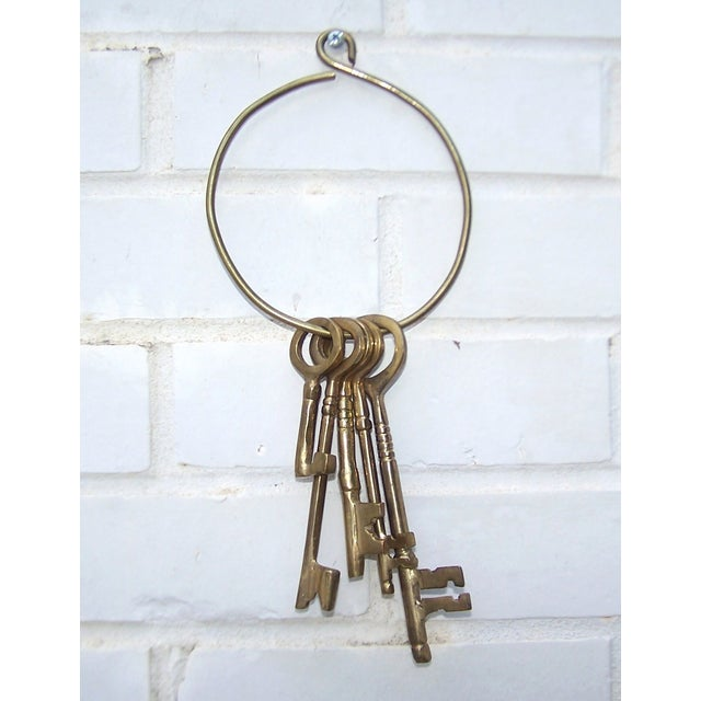 Vintage Ring of Brass Jailhouse Style Keys - Image 5 of 7