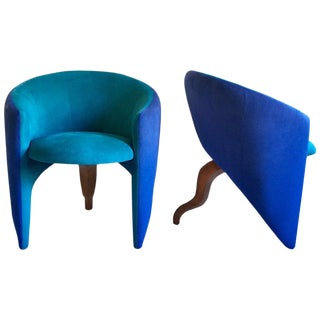 1980s Memphis Style Sculptural Curved Three-Leg Modern Lounge Armchair For Sale