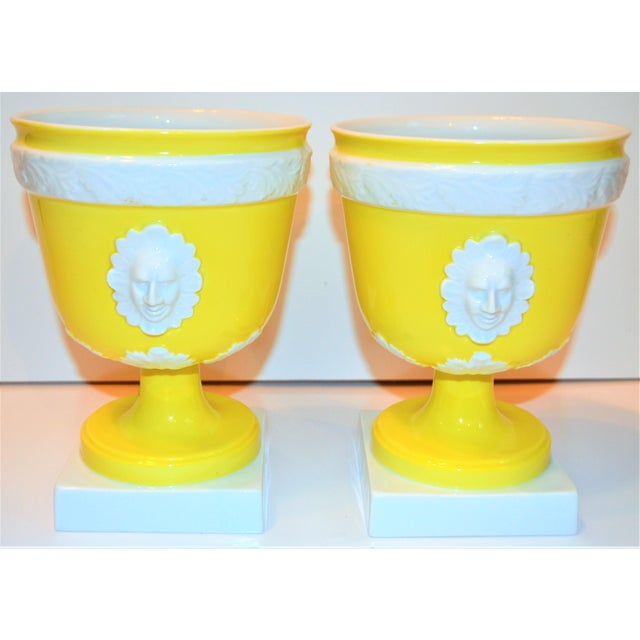 Yellow 1970s Vintage Mottahedeh Lemon & White Neoclassical Pedestal Cachepots - a Pair For Sale - Image 8 of 13