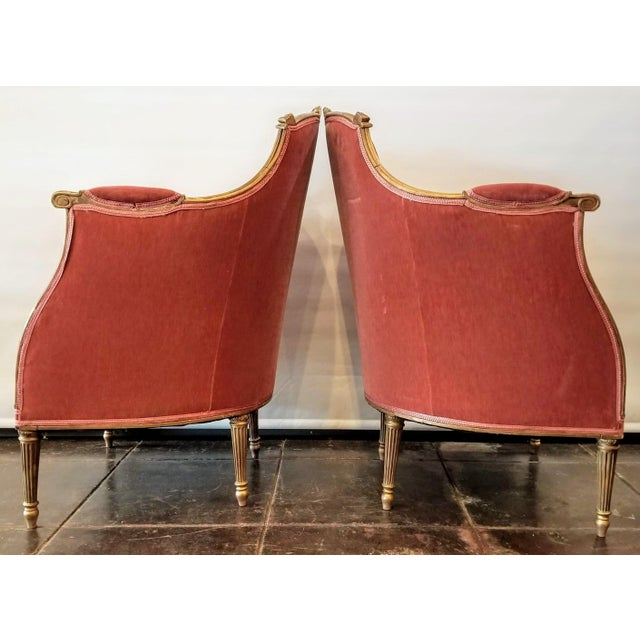 French Louis XV Style Pink Mohair Velvet Upholstery Bergere Chairs- A Pair For Sale - Image 3 of 9