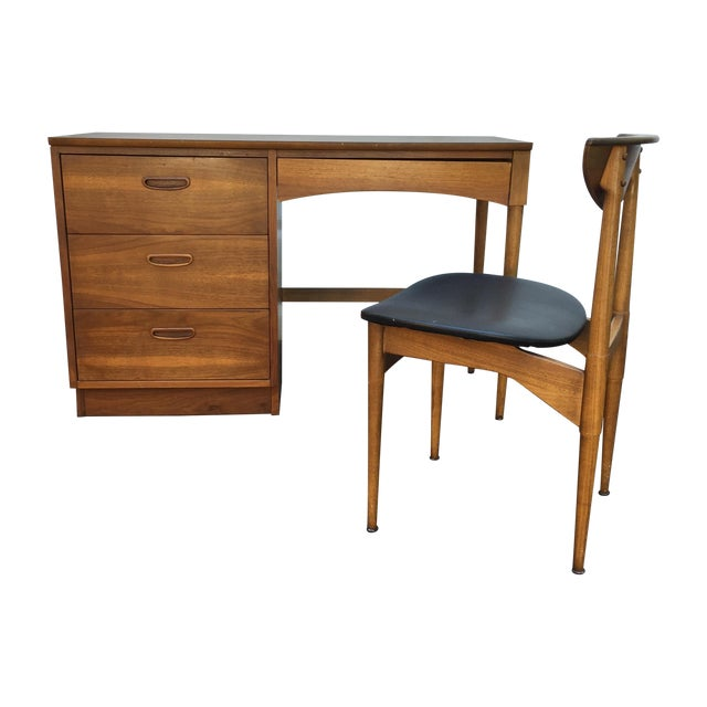 Mid-Century Walnut Writing Desk by Lane Furniture - Image 1 of 11