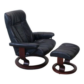 Vintage Ekornes Stressless Black Leather Recliner Armchair and Ottoman For Sale