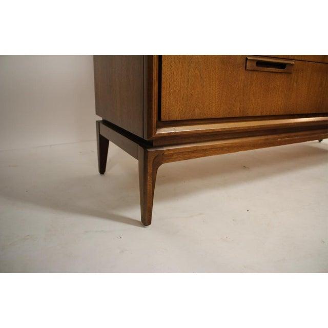 1960s Mid Century Walnut 6 Drawer Dresser For Sale - Image 5 of 7