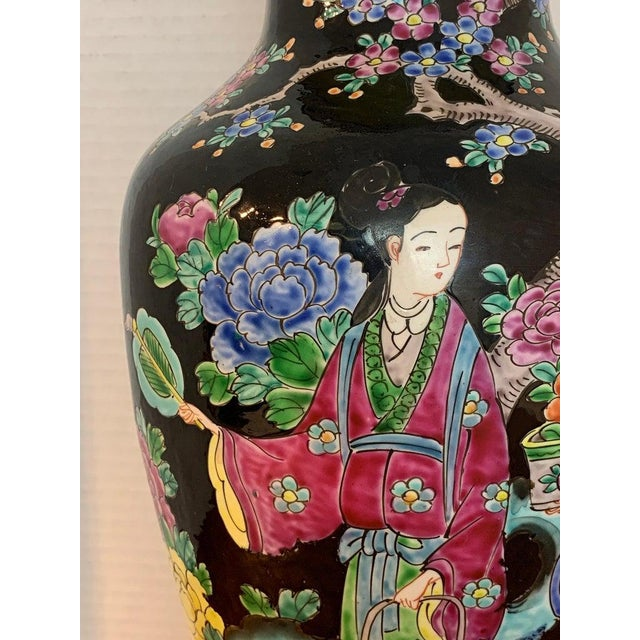 Japanese Vase With Black Background in the Style of Chinese Famille Verte For Sale - Image 4 of 11