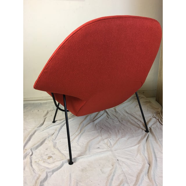 Raspberry Red Eero Saarinen for Knoll 1950s Womb Chair and Ottoman - a Pair For Sale - Image 8 of 13