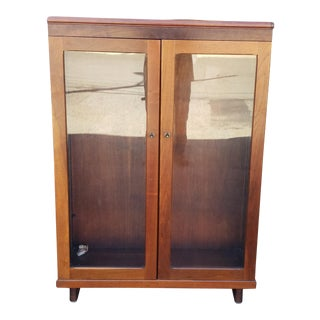 Very Nice 1930s Walnut Double Glass Door Hallway Bookcase Cabinet For Sale