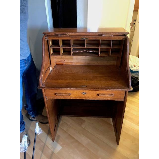 Beautiful Roll Top Desk Great Condition Ready For Pick Up D To