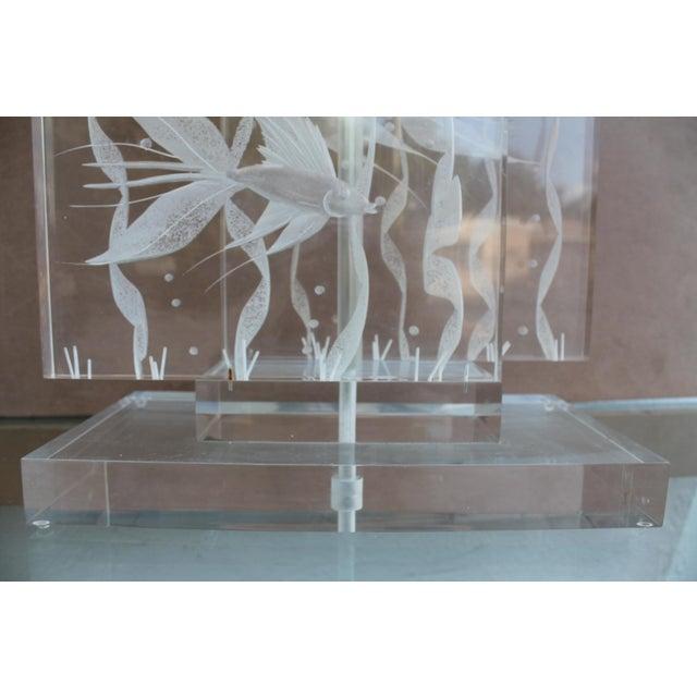 Vintage Art Fish Aquariums Figures Lucite Table Lamp - Image 10 of 11