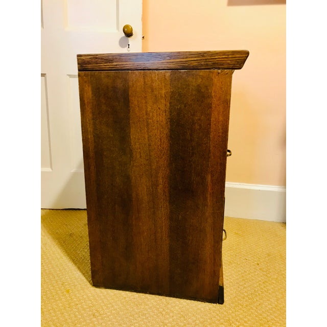 Traditional Oak Raised Side & Brass Detail 2-Drawer File Cabinet For Sale - Image 3 of 9