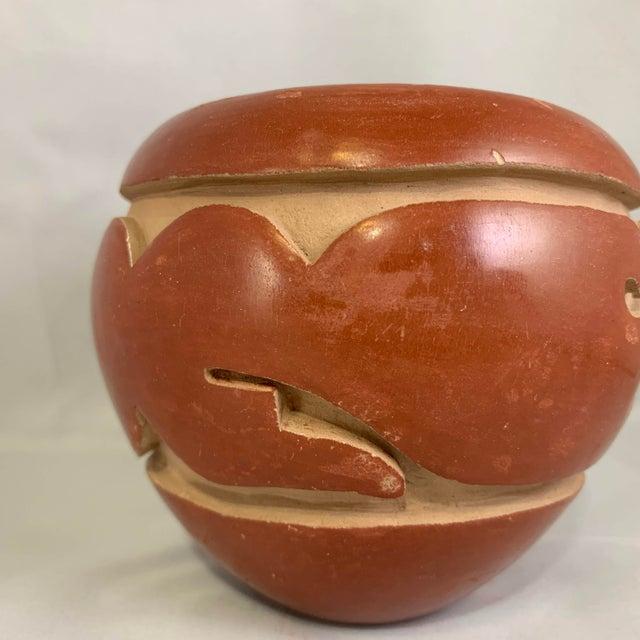 Southwest Mida Tafoya Redware Jar With Carved Avanyu Design For Sale In Denver - Image 6 of 13