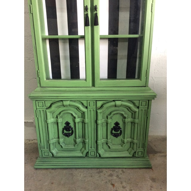 Asian 20th Century Chinoiserie Emerald Green Hutch For Sale - Image 3 of 13
