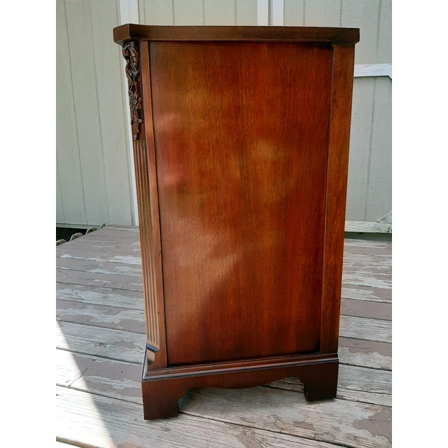 Vintage 1940's Mahogany 4 Drawer Server Accent Chest For Sale - Image 6 of 13