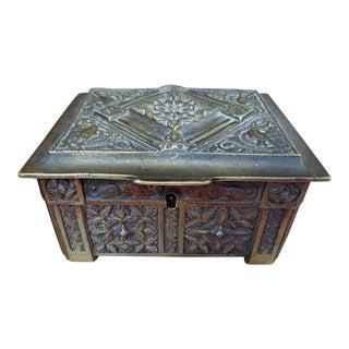1900 Belgian Art Nouveau Bronze Wood-Lined Snuff Box For Sale