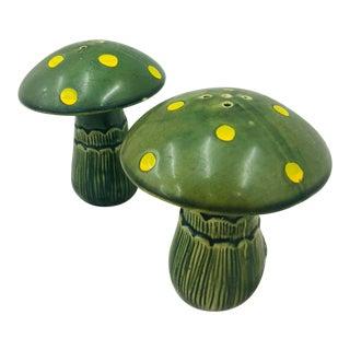 Pair Vintage Mid Century Mushroom S&p Shakers