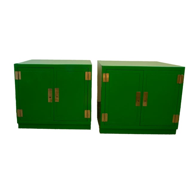 Campaign Mid Century Kelly Green Campaign Chests-a Pair For Sale - Image 3 of 9