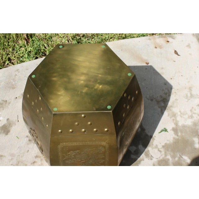 1970s Vintage 70s Chinese Chinoiserie Style Brass Hexagonal Garden Seat / Stool / Side Table W/Glass Top For Sale - Image 5 of 13