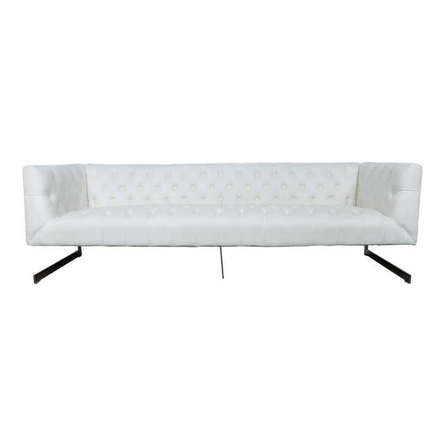 Modern Style White Chesterfield Sofa - Image 1 of 10